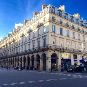 Paris'te Hesaplı Tax Free Parfüm ve Kozmetiğin Adresi: Benlux